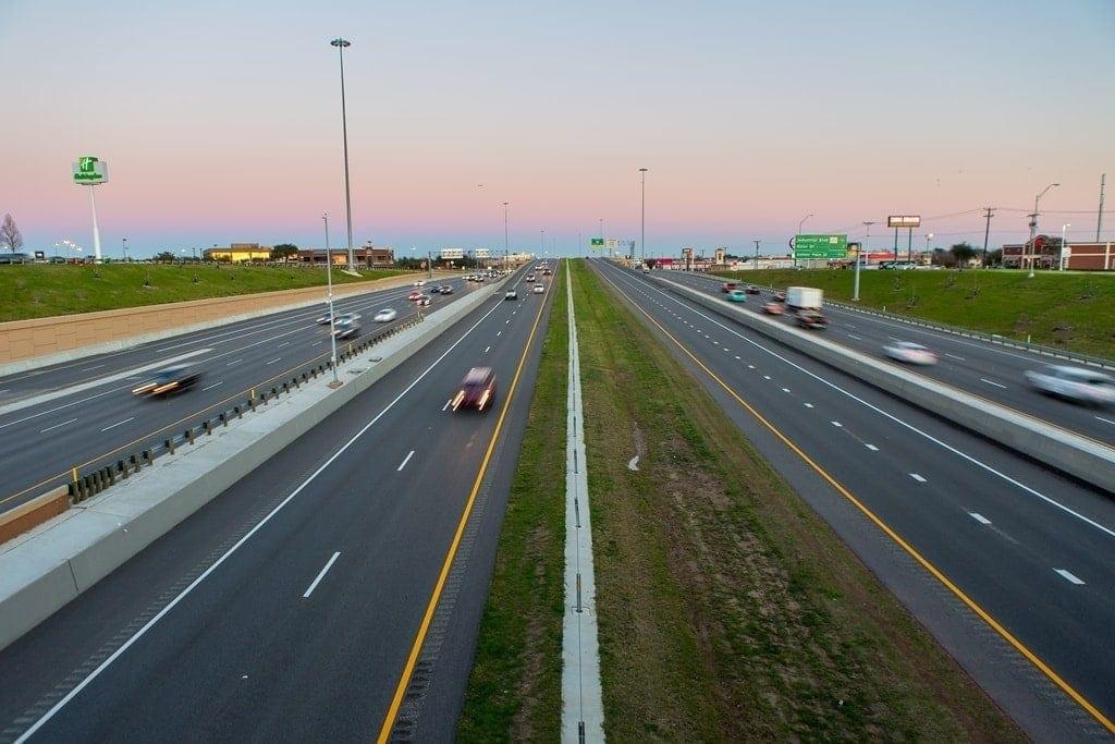 impresionante autopista north tarrant express en Texas por Ferrovial
