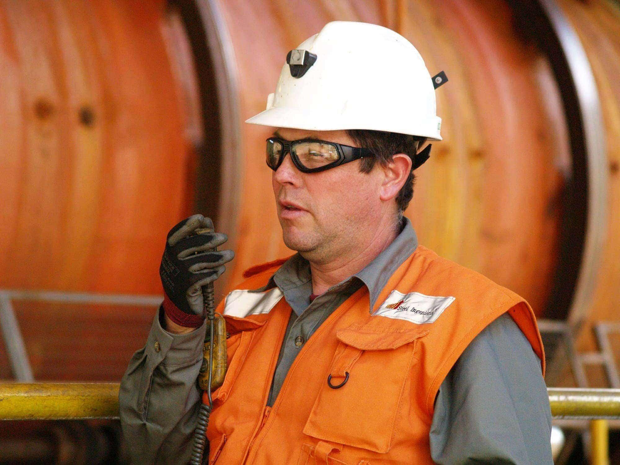 Seguridad laboral-Obrero de Ferrovial en Chilie