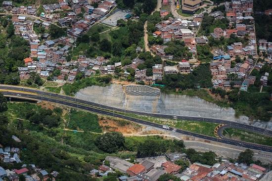 La autovía Carrera 80 en Colombia