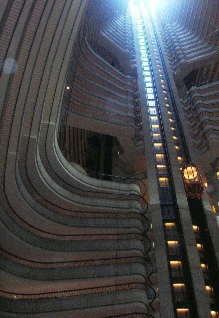 los ascensores, los coches del futuro