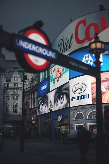 piccadilly circus foto de londres