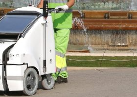 robot innovation street cleaner in barcelona