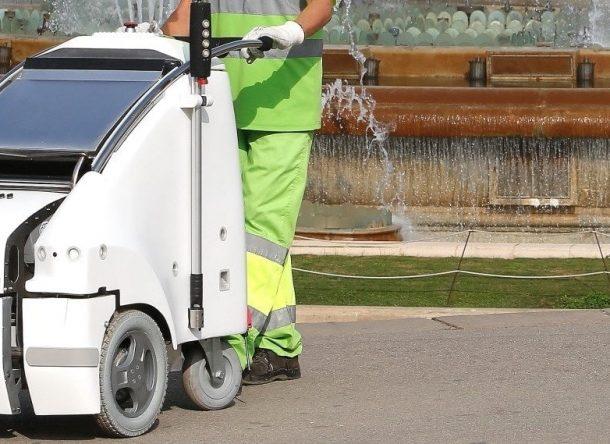 robot innovation street cleaner in barcelona