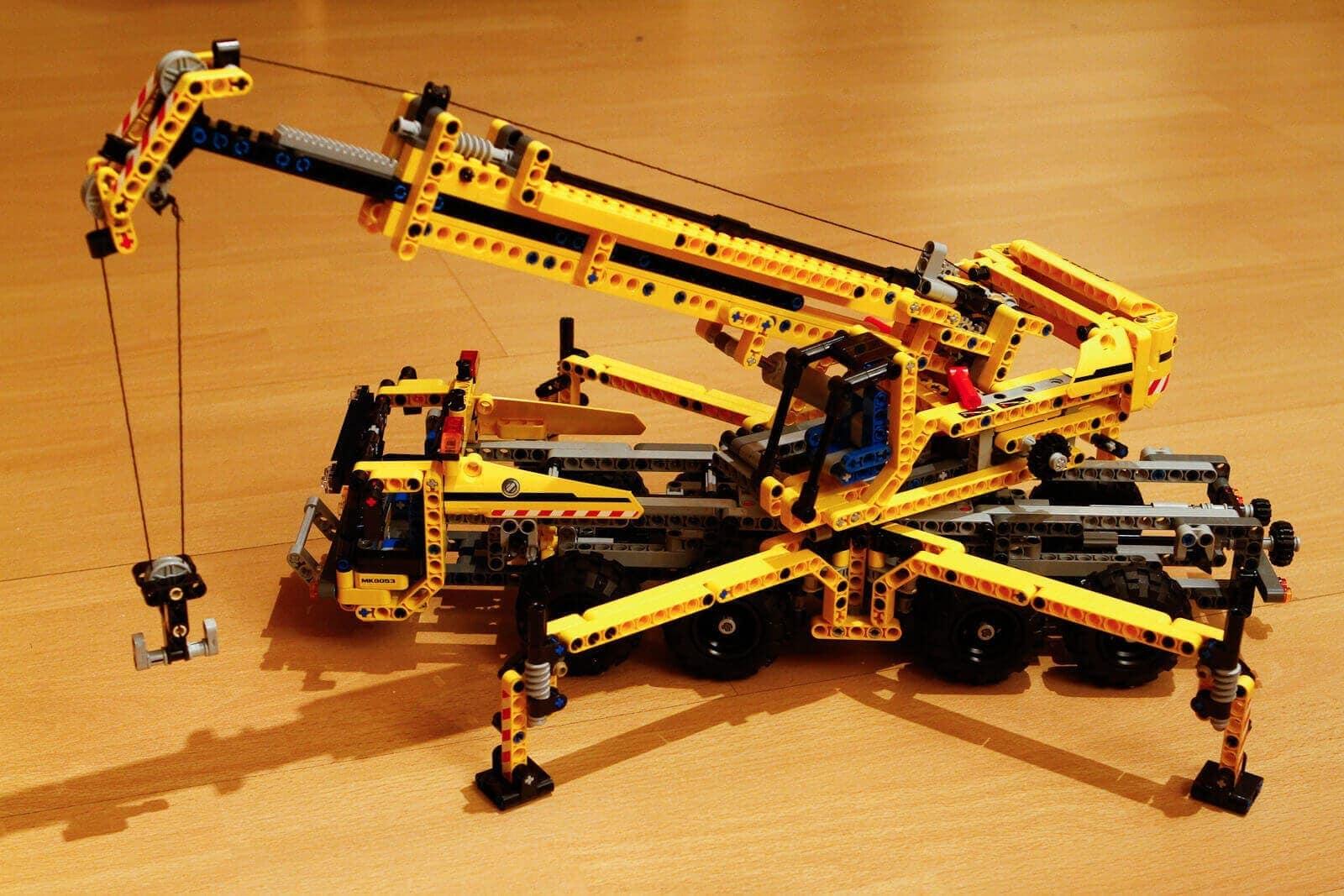 Grúa Lego