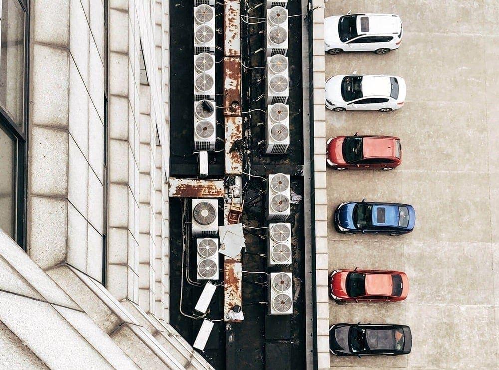 vehiculos aparcados