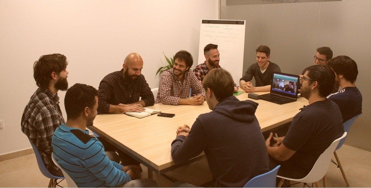 Imagen de mesa de trabajo del equipo de Secmotic