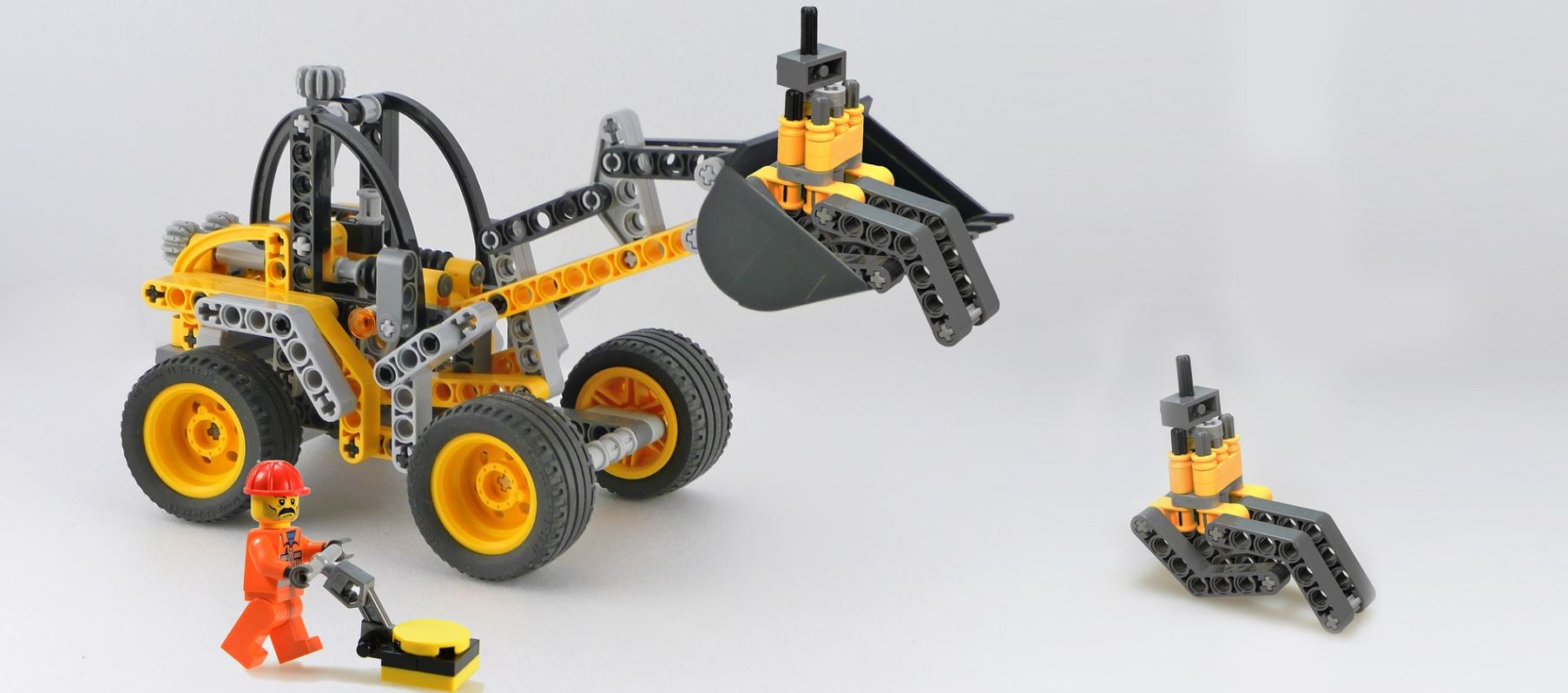 building with lego technic to get young and not so young people into engineering ferrovial blog. Black Bedroom Furniture Sets. Home Design Ideas