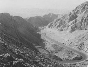 Carretera panamericana a su paso por Perú en los años 40