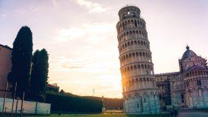 La torre de Pisa se ha inclinado debido a la diferencia en la consistencia del suelo entre sus lados este y oeste