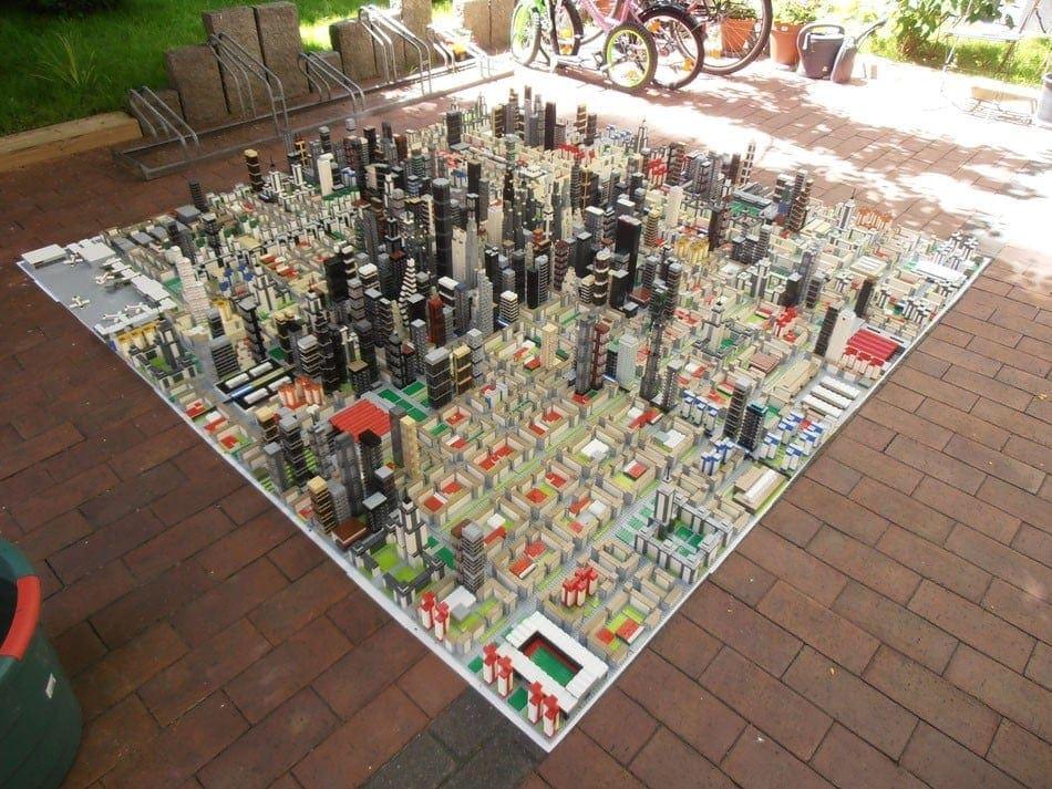 ciudad construida con lego
