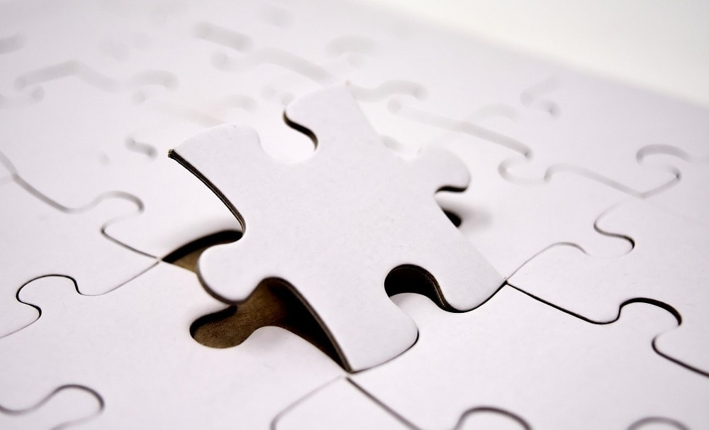 Image of a puzzle piece fitting in with the rest, simulating the learning that big data implies