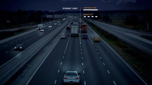 Fotografía nocturna de una carretera inteligente