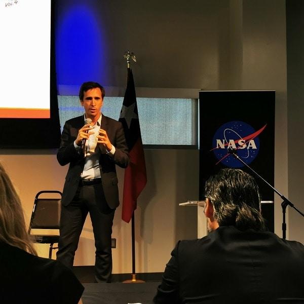 El director de Innovación Rafael Fernandez en una ponencia sobre Life Radius en la NASA